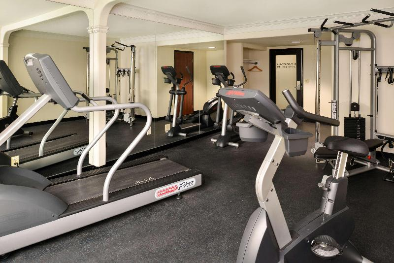 Sports and Entertainment Best Western Plus Suites Hotel