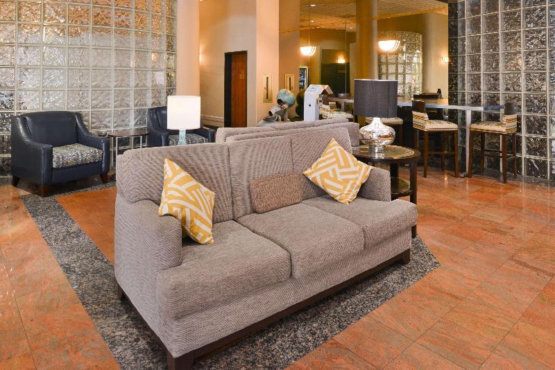 Lobby Best Western Plus Suites Hotel