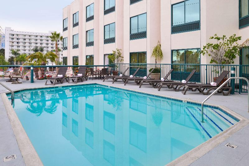 Pool Best Western Plus Suites Hotel