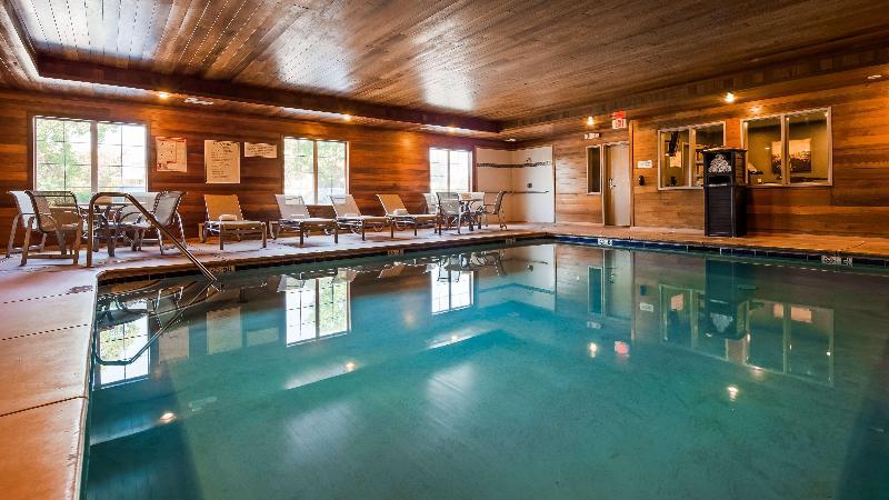 Pool Best Western Plus Rama Inn