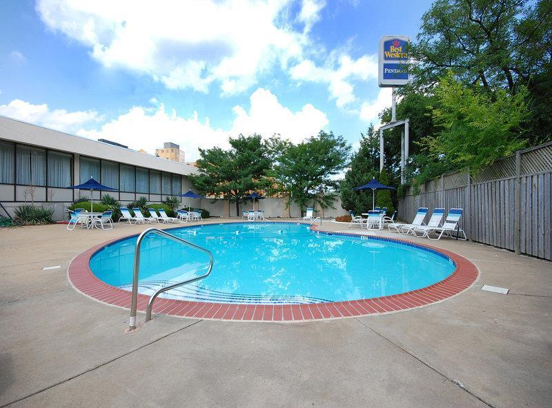 Pool Best Western Pentagon Hotel - Reagan Airport