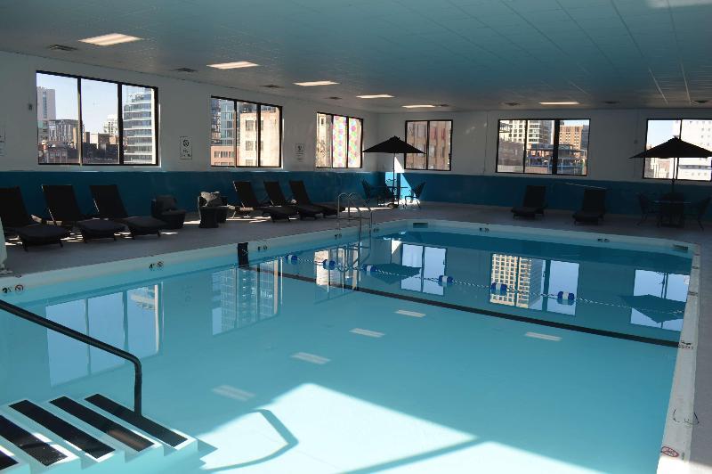 Pool Best Western River North Hotel