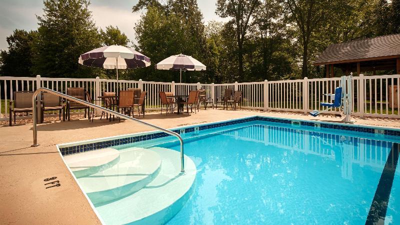 Pool Best Western Reid\'s Inn