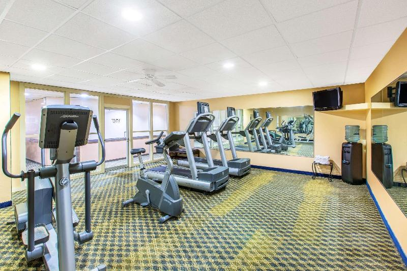 Sports and Entertainment Days Inn & Suites By Wyndham Coralville /iowa City