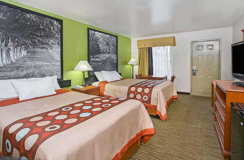 Room Super 8 By Wyndham Cave City
