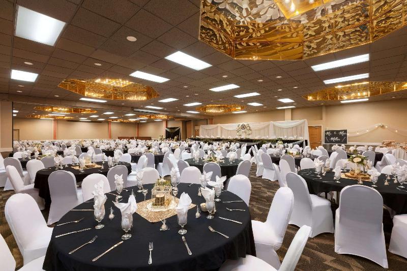 Conferences Ramada By Wyndham Fargo