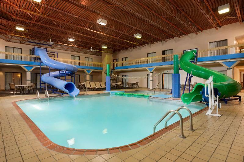 Pool Ramada By Wyndham Fargo