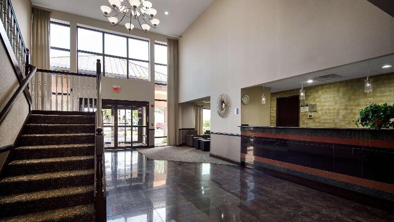 Lobby Best Western Suites
