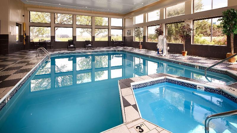 Pool Best Western Suites