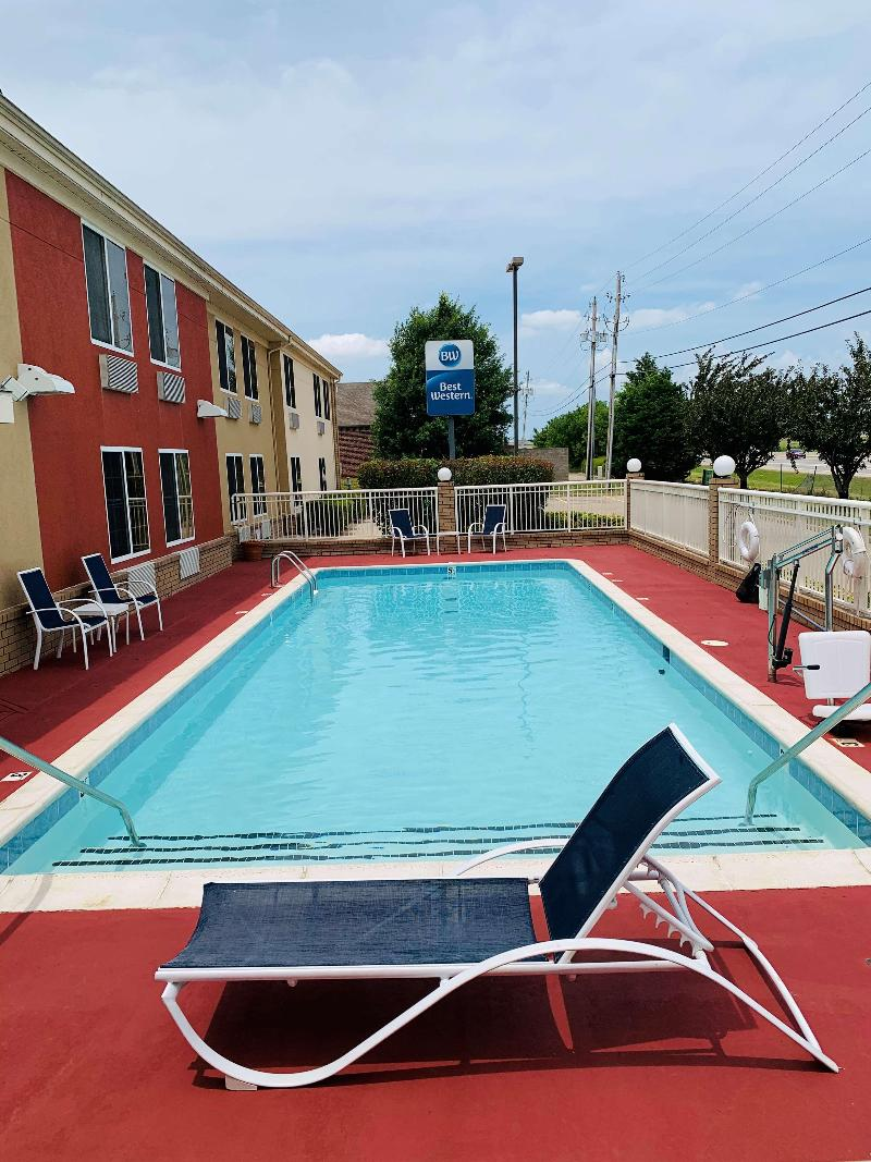 Pool Best Western Kenosha Inn