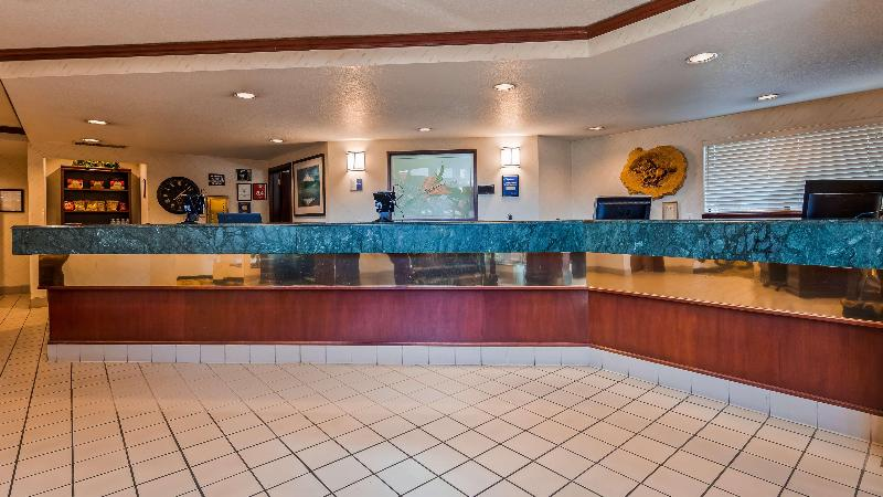 Lobby Best Western Pony Soldier Inn - Airport
