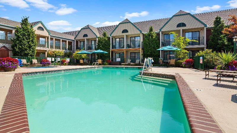 Pool Best Western Pony Soldier Inn - Airport