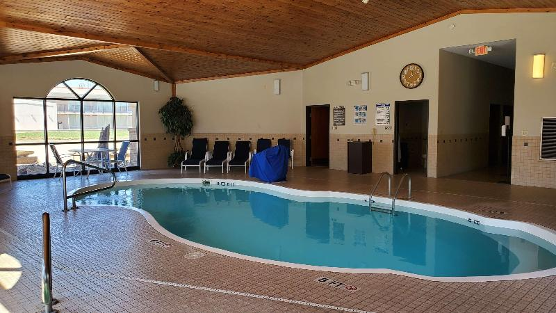 Pool Best Western Plains Motel