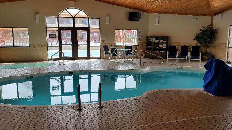 Pool Best Western Plains Motel