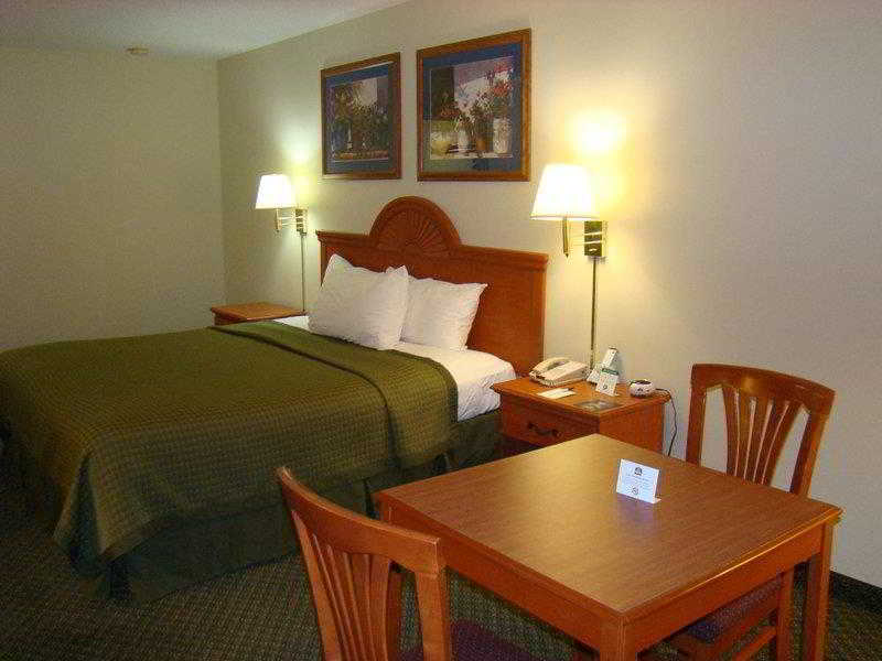 General view Quality Inn & Suites Garland - East Dallas