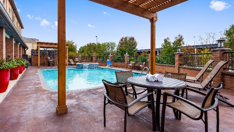 Pool Best Western Plus Dfw Airport Suites