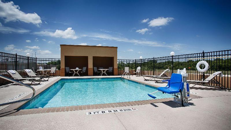Pool Best Western Temple Inn & Suites