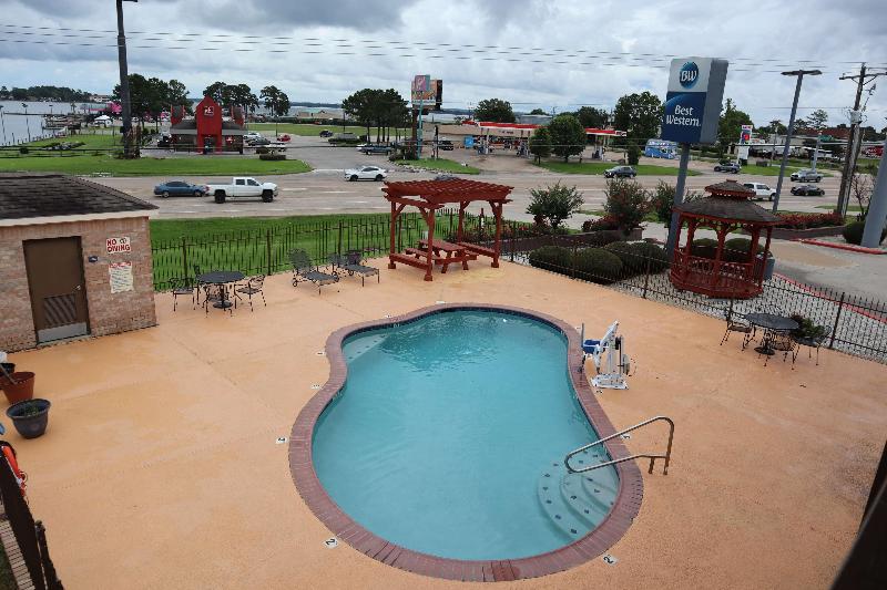 Pool Best Western Lake Conroe Inn