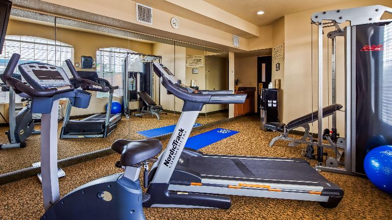 Sports and Entertainment Windsor Pointe Hotel & Suites At&t Center