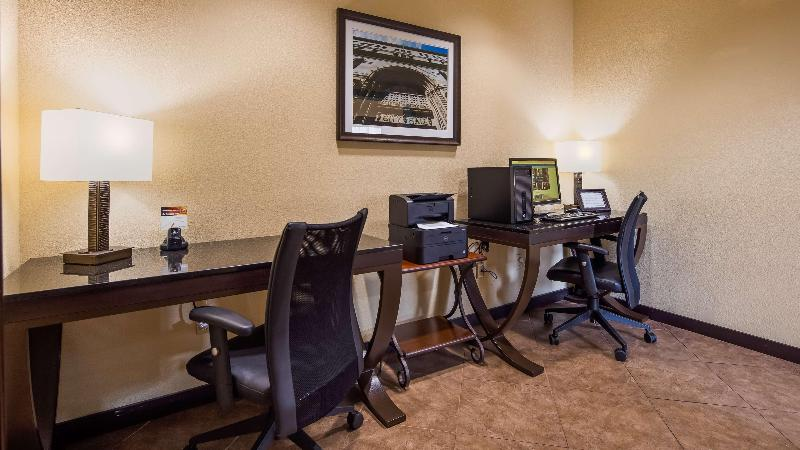 Conferences Windsor Pointe Hotel & Suites At&t Center