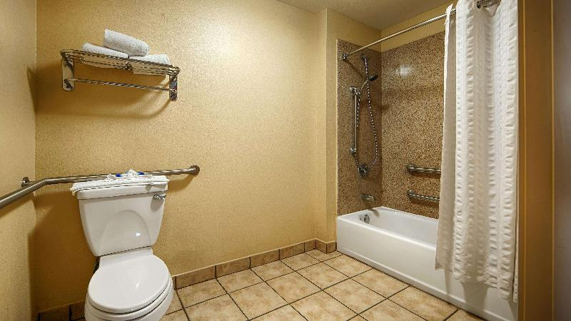 Room Windsor Pointe Hotel & Suites At&t Center