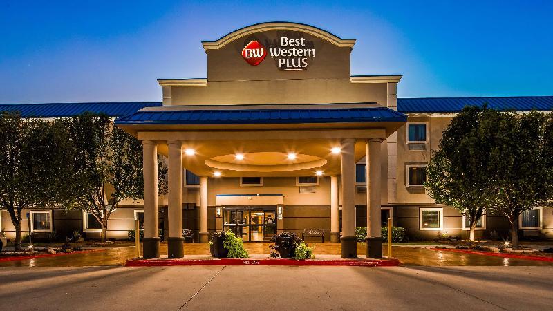 General view Best Western Plus University Inn & Suites