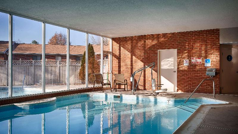 Pool Best Western Plus Inn At Hunt Ridge