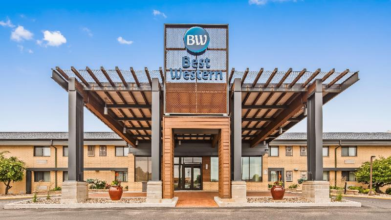 General view Best Western West Towne Suites
