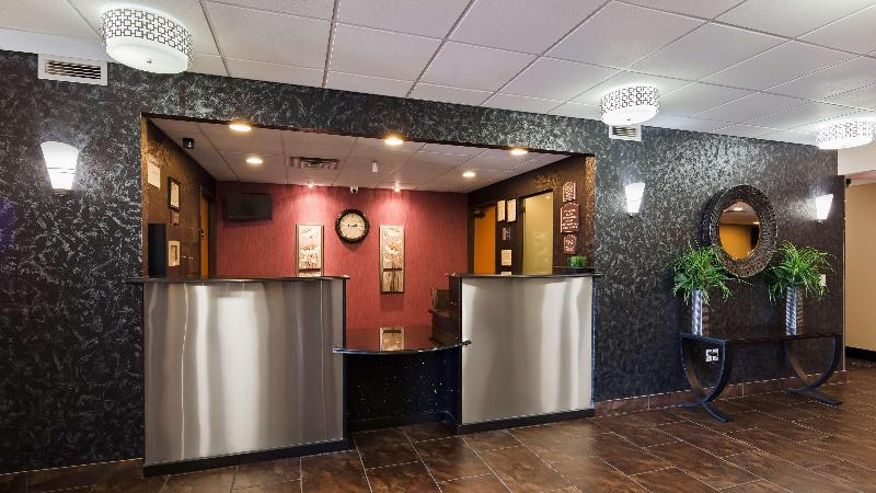 Lobby Best Western Plover Hotel & Conference Center