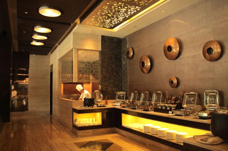 Restaurant The Pllazio Hotel Gurgaon