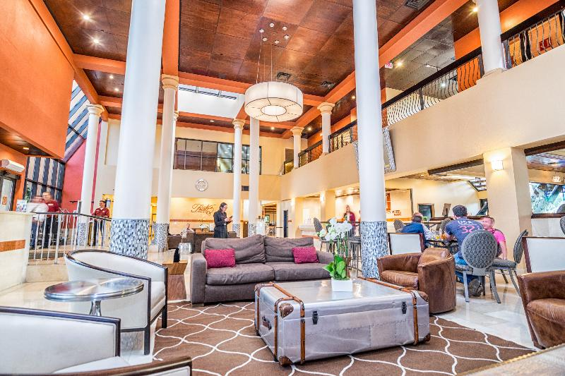 Lobby Regency Hotel Miami