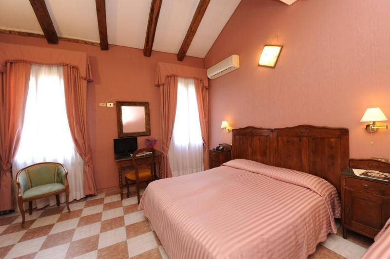 General view Hotel Villa Rosa