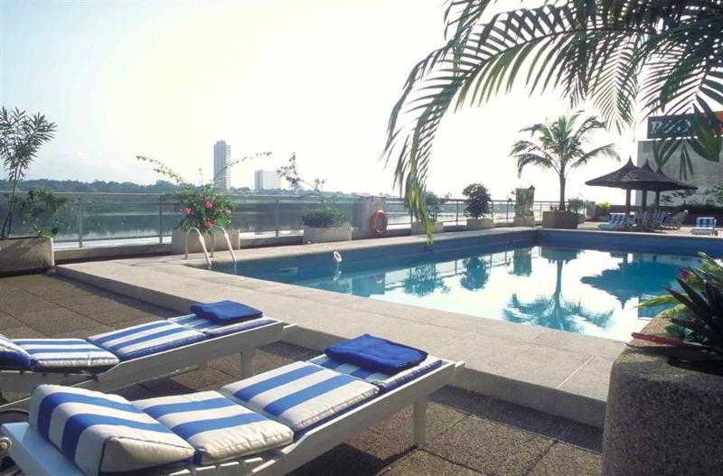 Pool Pullman Abidjan
