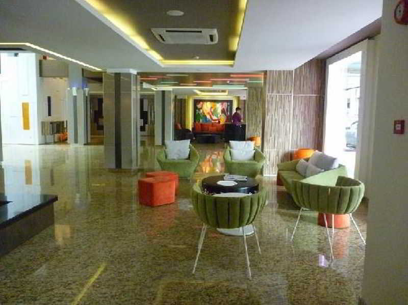 Lobby The Brunei Hotel
