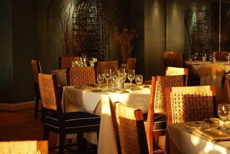 Restaurant Charleston Harbor Resort & Marina