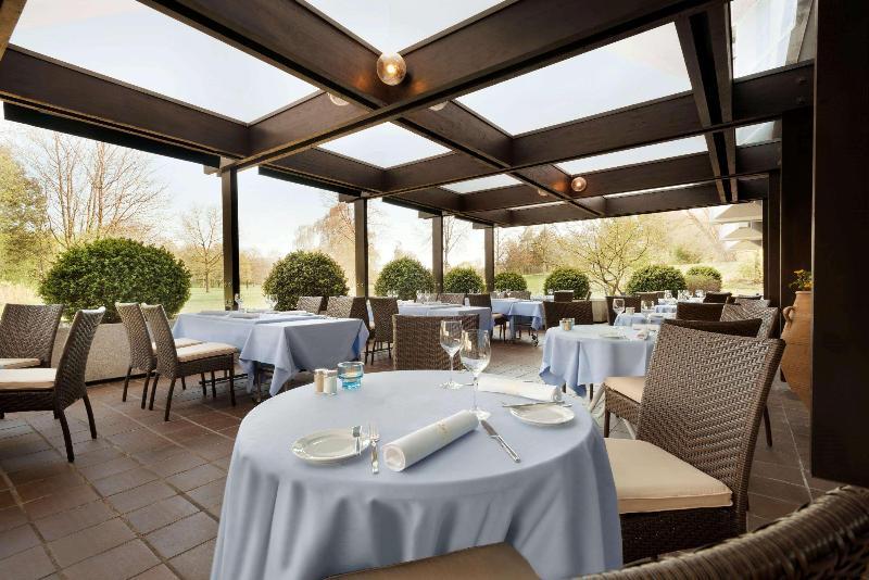 Terrace Ramada Nurinberg Park Hotel