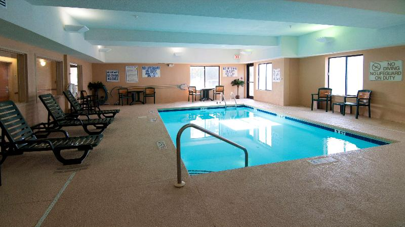 Pool Best Western Executive Inn