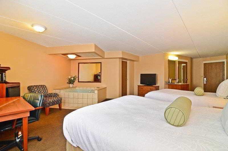 General view Best Western Arrowhead Lodge & Suites