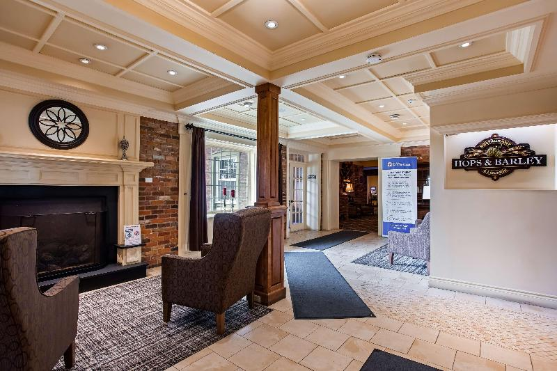 Lobby Best Western Plus Parkway Inn & Conference Centre