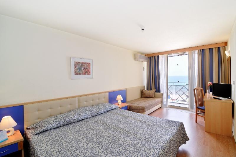 Room Mura