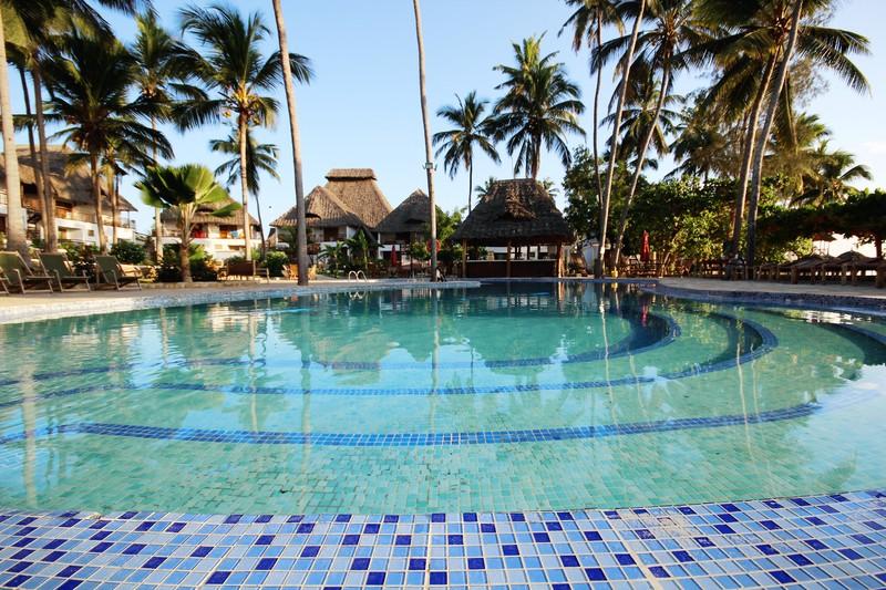 Pool Paradise Beach Resort