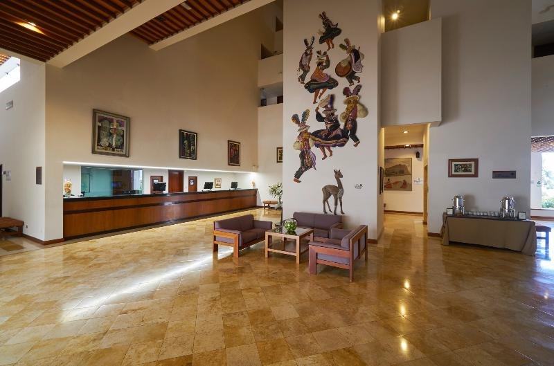 Lobby Libertador Lago Titicaca