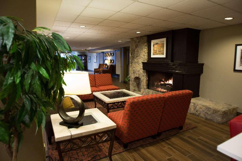 Lobby Best Western Plus Stoneridge Inn & Conf Centre