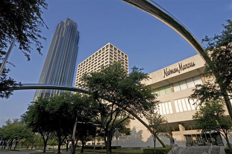 General view Sheraton Suites Houston Near The Galleria