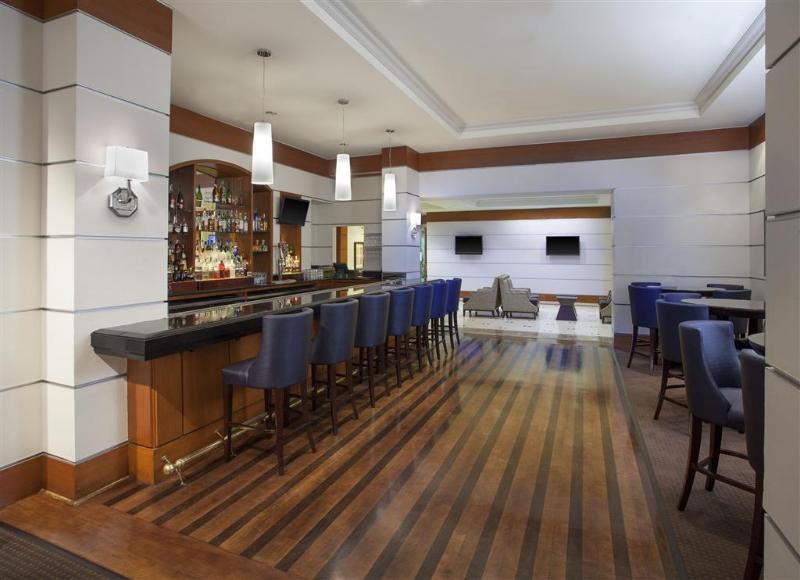 Bar Sheraton Suites Houston Near The Galleria
