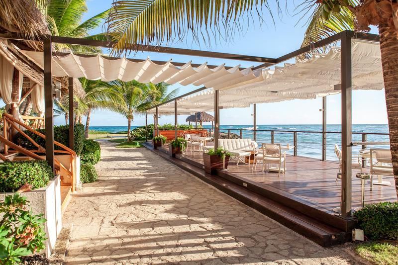 Terrace Eden Roc At Cap Cana