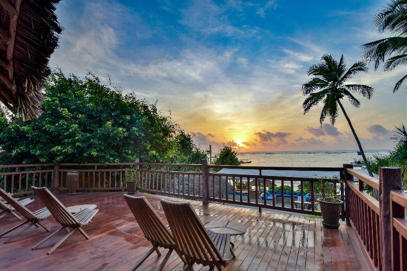 Azanzi Beach Hotel - Terrace - 15