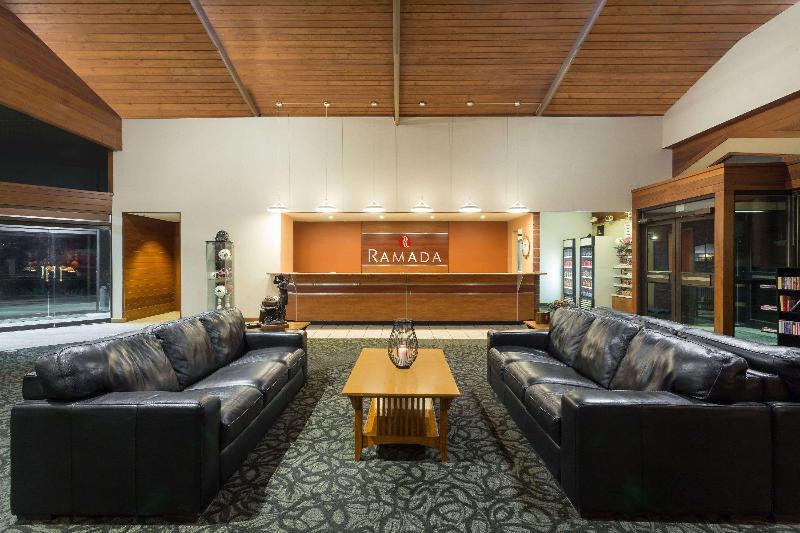 Lobby Ramada By Wyndham Cedar City