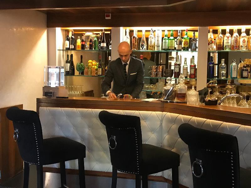 Bar De La Ville