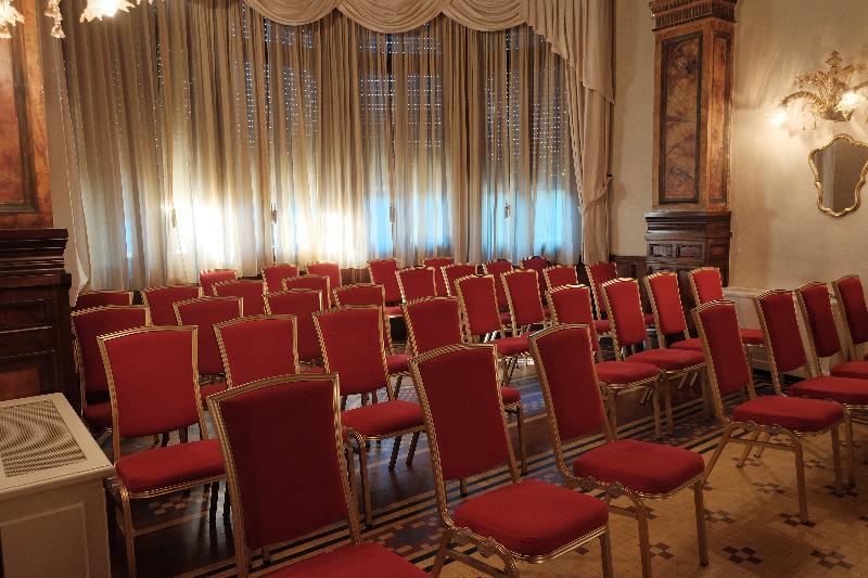 Conferences De La Ville